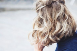 +15 fryzur na upały dla włosów średnich i długich! Dodają animuszu!