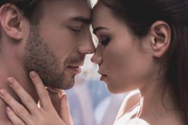 13 RZECZY, które faceci potajemnie kochają w KOBIETACH