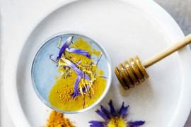Domowa maseczka z kurkumy, miodu i jogurtu- rozjaśnia skórę, łagodzi podrażnienia