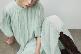 Wiosenne nowości ZARA: Słodkie sukienki, dziewczęce bluzki, kwiatowe spódnice