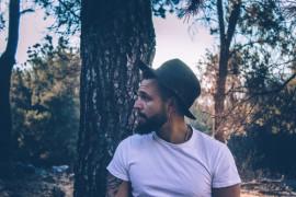 FACET WYLICZA: 5 powodów, przez które cię ZDRADZAM nawet, gdy cię kocham