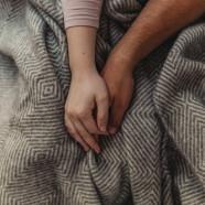 MĘSKIM ZDANIEM: 6 sposobów, w jakie nieśmiały FACET wyznaje swoją miłość