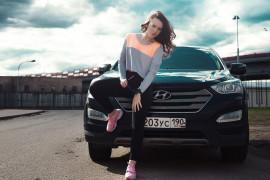 Sneakersy damskie – jak je nosić?